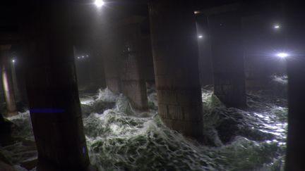 Tokyo sewer flood (animation)